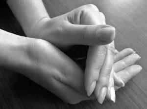 hands-1554510